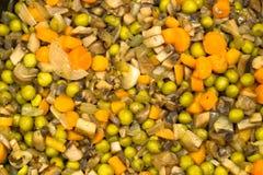 Βρασμένα στον ατμό λαχανικά με τα μανιτάρια Στοκ Φωτογραφίες