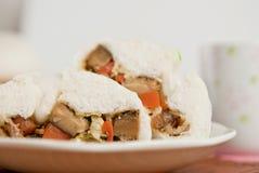 Βρασμένα στον ατμό κουλούρια χοιρινού κρέατος, κινεζικό αμυδρό ποσό Στοκ Φωτογραφία