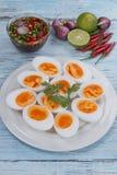 Βρασμένες αυγά και σάλτσα ψαριών Στοκ φωτογραφία με δικαίωμα ελεύθερης χρήσης