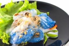 Βρασμένες στον ατμό μπουλέττες ρύζι-δερμάτων με τη σάλτσα Στοκ Φωτογραφία