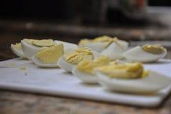 βρασμένες φέτες αυγών στοκ φωτογραφία