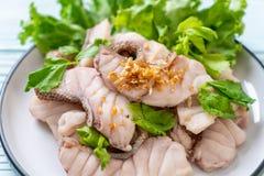 Βρασμένη εμβύθιση ψαριών με τη σάλτσα στοκ εικόνα με δικαίωμα ελεύθερης χρήσης