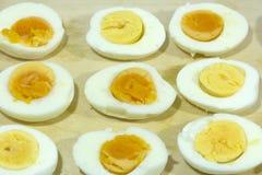 βρασμένος, κοτόπουλο, αυγά, λέκιθος, χρήσιμα πρωτεϊνικά τρόφιμα, διατροφή, προϊόντα στοκ εικόνα με δικαίωμα ελεύθερης χρήσης