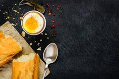 Βρασμένο αυγό με το διάστημα αντιγράφων Στοκ εικόνες με δικαίωμα ελεύθερης χρήσης