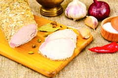 Βρασμένο κρύο χοιρινό κρέας με το καρύκευμα Στοκ εικόνες με δικαίωμα ελεύθερης χρήσης