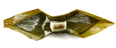 Βρασμένο στον ατμό γάλα καρύδων, ταϊλανδικό επιδόρπιο στα φύλλα μπανανών Στοκ εικόνες με δικαίωμα ελεύθερης χρήσης