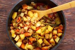 Βρασμένο στον ατμό μίγμα των λαχανικών με το κρέας και τα πράσινα φασόλια στοκ φωτογραφίες με δικαίωμα ελεύθερης χρήσης