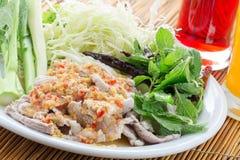 Βρασμένο χοιρινό κρέας με τη σάλτσα ασβέστη, σκόρδου και τσίλι στοκ φωτογραφία με δικαίωμα ελεύθερης χρήσης