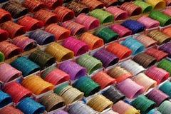 Βραχιόλια στην ινδική αγορά, Rishikesh, Ινδία στοκ εικόνα με δικαίωμα ελεύθερης χρήσης