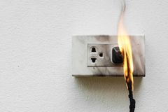 Βραχυκύκλωμα ηλεκτρικής ενέργειας Στοκ φωτογραφία με δικαίωμα ελεύθερης χρήσης
