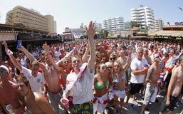 Βρετανικοί ανεμιστήρες κατά τη διάρκεια του Παγκόσμιου Κυπέλλου ποδοσφαίρου στη Μαγιόρκα Στοκ Εικόνες