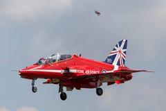 Βρετανικό αεροδιαστημικό γεράκι Τ της Royal Air Force RAF 1 της ομάδας επίδειξης της Royal Air Force Aerobatic τα κόκκινα βέλη Στοκ Εικόνες