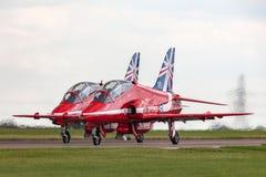 Βρετανικό αεροδιαστημικό γεράκι Τ της Royal Air Force RAF 1A XX278 της ομάδας επίδειξης της Royal Air Force Aerobatic τα κόκκινα  Στοκ Εικόνες