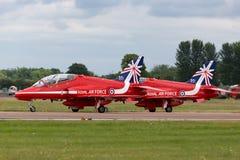 Βρετανικό αεροδιαστημικό γεράκι Τ της Royal Air Force RAF 1 XX242 της ομάδας επίδειξης της Royal Air Force Aerobatic τα κόκκινα β Στοκ εικόνα με δικαίωμα ελεύθερης χρήσης