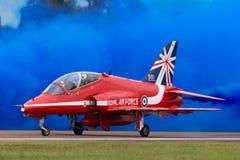 Βρετανικό αεροδιαστημικό γεράκι Τ της Royal Air Force RAF 1 XX244 της ομάδας επίδειξης της Royal Air Force Aerobatic τα κόκκινα β Στοκ φωτογραφία με δικαίωμα ελεύθερης χρήσης