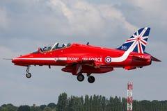 Βρετανικό αεροδιαστημικό γεράκι Τ της Royal Air Force RAF 1 XX242 της ομάδας επίδειξης της Royal Air Force Aerobatic τα κόκκινα β Στοκ φωτογραφία με δικαίωμα ελεύθερης χρήσης
