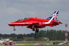 Βρετανικό αεροδιαστημικό γεράκι Τ της Royal Air Force RAF 1 XX325 της ομάδας επίδειξης της Royal Air Force Aerobatic τα κόκκινα β Στοκ φωτογραφία με δικαίωμα ελεύθερης χρήσης