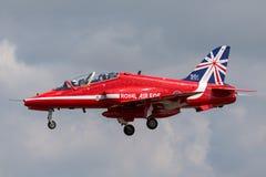 Βρετανικό αεροδιαστημικό γεράκι Τ της Royal Air Force RAF 1 XX310 της ομάδας επίδειξης της Royal Air Force Aerobatic τα κόκκινα β Στοκ Εικόνα