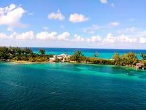 βρετανικό λεπτό νησιών νησιών φοινικών παραδείσου άμμου αμμώδες οβελών λευκό υδάτων δέντρων τυρκουάζ παρθένο στοκ φωτογραφίες
