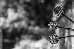 Βρετανοί και Αμερικανός τα βέλη σε μονοχρωματικό Στοκ εικόνες με δικαίωμα ελεύθερης χρήσης