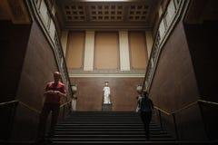 Βρετανοί μέσα στο μουσείο στοκ εικόνα