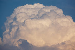 βροντή σύννεφων Στοκ φωτογραφία με δικαίωμα ελεύθερης χρήσης