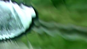 Βροχή. Καθρέφτης αυτοκινήτων φιλμ μικρού μήκους
