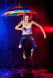 βροχή κοριτσιών κάτω Στοκ Εικόνες