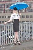 βροχή κοριτσιών κάτω Στοκ εικόνες με δικαίωμα ελεύθερης χρήσης