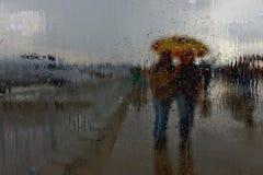 Βροχή πόλεων σταγονίδιων νερού Στοκ εικόνα με δικαίωμα ελεύθερης χρήσης