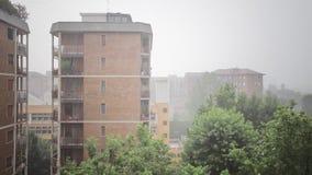 Βροχή στην πόλη απόθεμα βίντεο