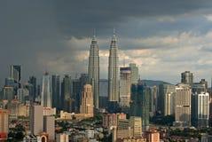 Βροχή στη μητροπολιτική πόλη της Μαλαισίας: Κουάλα Λουμπούρ στοκ φωτογραφία με δικαίωμα ελεύθερης χρήσης