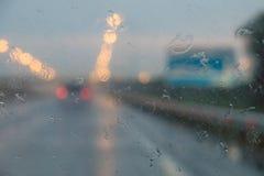 Βροχή στη M4 εθνική οδό, περιοχή Krasnodar, της Ρωσίας Στοκ εικόνα με δικαίωμα ελεύθερης χρήσης