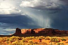 Βροχή στο βουνό στοκ εικόνες