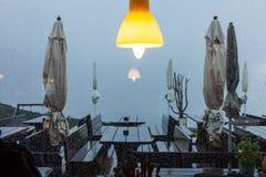 Βροχή στο πεζούλι Στοκ φωτογραφίες με δικαίωμα ελεύθερης χρήσης