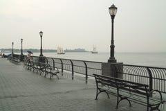 Βροχερή ημέρα στην πόλη της Νέας Υόρκης στοκ φωτογραφία