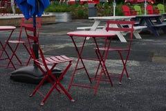 Βροχερή ημέρα στο patio Στοκ φωτογραφία με δικαίωμα ελεύθερης χρήσης