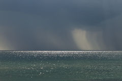 Βροχερός καιρός πέρα από τη θάλασσα Στοκ Φωτογραφία
