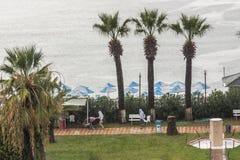 Βροχερός καιρός σε ένα μεσογειακό θέρετρο σε Didim/Turkey/09 22 2015 του 2009 ο αμερικανικός αυτόματος μετατρέψιμος πρότυπος Βορρ στοκ εικόνες
