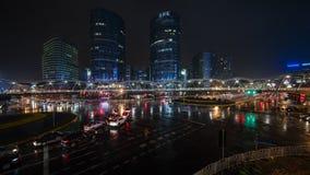 Βροχερός δρόμος ποταμών Jinsha νύχτας Στοκ Φωτογραφίες