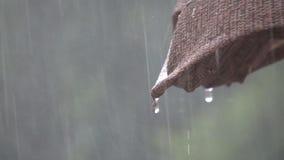 Βροχερός λυπημένος θλιβερός μάταιος καιρός απόθεμα βίντεο