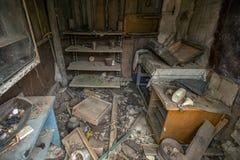 Βρωμίστε στο εγκαταλειμμένο σπίτι στοκ φωτογραφία με δικαίωμα ελεύθερης χρήσης