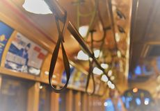 Βρόχοι χεριών στο τραμ στοκ εικόνες με δικαίωμα ελεύθερης χρήσης