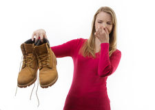 Βρώμικα δύσοσμα παπούτσια Στοκ εικόνα με δικαίωμα ελεύθερης χρήσης