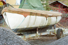 Βρώμικη βάρκα Στοκ φωτογραφία με δικαίωμα ελεύθερης χρήσης
