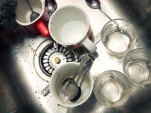 Βρώμικος νεροχύτης κουζινών στοκ φωτογραφίες