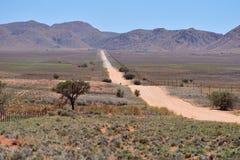 Βρώμικος δρόμος στα βουνά, Ναμίμπια, Αφρική Στοκ εικόνα με δικαίωμα ελεύθερης χρήσης