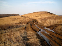 Βρώμικος δρόμος το φθινόπωρο Στοκ Εικόνες
