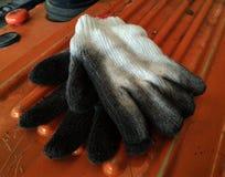 Βρώμικο άσπρο γάντι στοκ φωτογραφία
