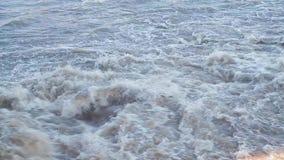 Βρώμικο βράζοντας νερό 001 απόθεμα βίντεο
